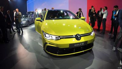 Traditional: Golf 8 World Premiere