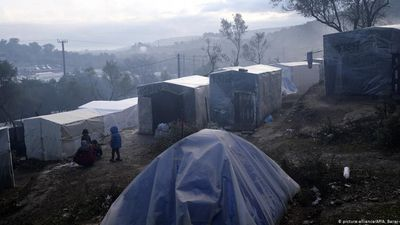 Fear of coronavirus outbreak at Greek migrant camp grows