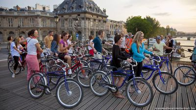 France: Bike boom in Paris