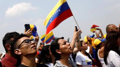 World News - Rival concerts take place on either side of Venezuela-Colombia border
