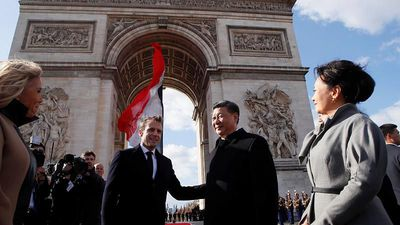 World News - Xi arrives in Paris as Macron pushes for united EU front