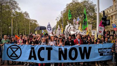 World News - MPs welcomed by Extinction Rebellion on their return from Easter recess