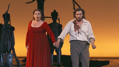 "Puccini's gripping thriller ""Tosca"" returns to Paris"