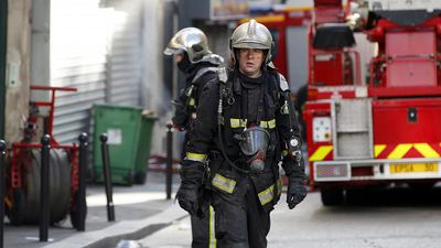 Three dead and one gravely injured in Paris' building fire