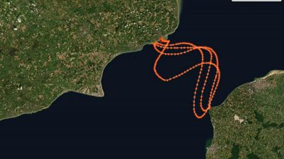 Sarah Thomas: Cancer survivor becomes first to swim English Channel four times non-stop