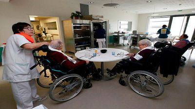 French care homes hit hard as COVID-19 deaths mount
