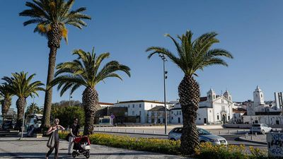 Portugal: UK COVID-19 quarantine restriction hits tourism in the Algarve