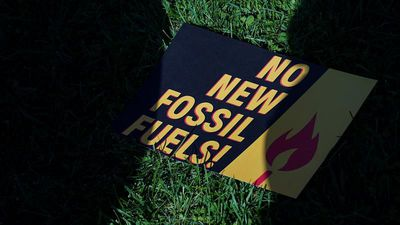 European Investment Bank will stop funding fossil fuel projects by end of 2021