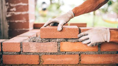 Boral agrees to sell Midland Brick