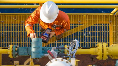 Oil Search (ASX:OSH) report fall in workforce of approximately 34%