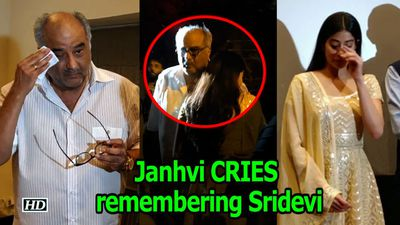 Janhvi couldn't STOP CRYING remembering Sridevi
