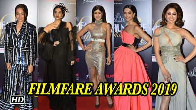 Check out Glamour girls line up at FILMFARE AWARDS 2019