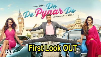 Ajay Devgn Tabu and Rakulpreet in De De Pyaar De First Look OUT