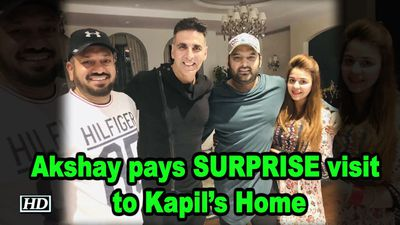 Akshay Kumar pays SURPRISE visit to Kapil Sharmas Home