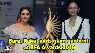 Sara ali khan rakul preet singh adds glam quotient at iifa awards 2019