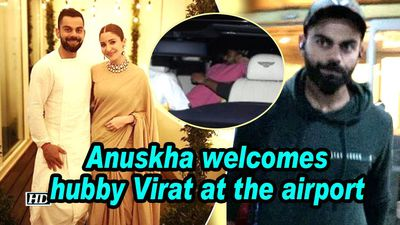Anuskha welcomes hubby Virat at airport