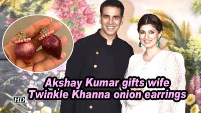 Akshay kumar gifts wife twinkle khanna onion earrings