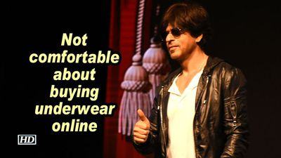 Srk not comfortable about buying underwear online