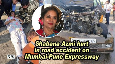 Shabana azmi hurt in road accident on mumbai pune expressway