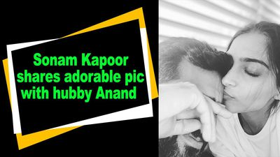 Sonam Kapoor shares adorable pic with hubby Anand