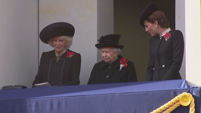 Armistice Day: The Queen watches commemorations from balcony