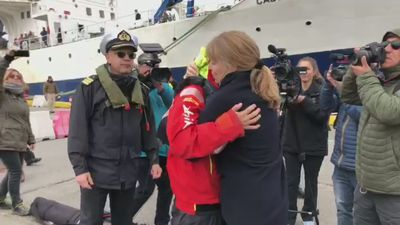 Round-the-world sailor Susie Goodall reunited with family