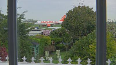 Southend residents angry over proximity of planes