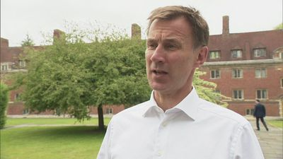 Hunt speaks out in favour of journalists publishing leaks