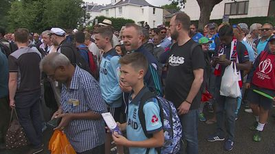 Fans arrive at Lord's ahead of ICC Cricket World Cup final