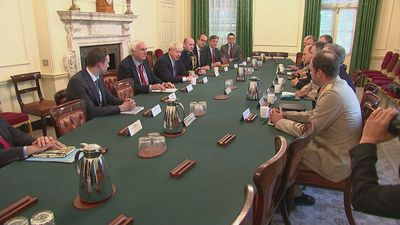 PM hosts roundtable with military leaders