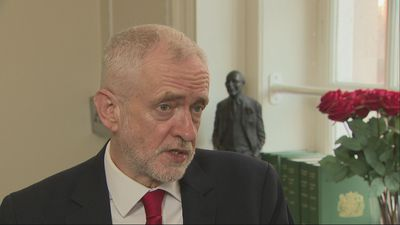 Corbyn: 'PM must seek Brexit delay'