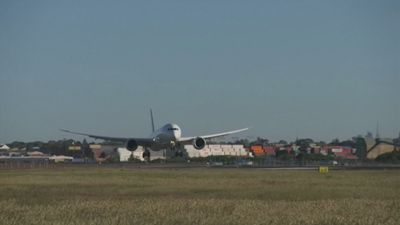 Longest ever non-stop commercial flight lands in Sydney