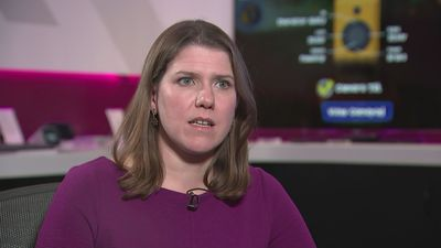 Swinson: Corbyn not fit to lead country