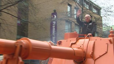 Tank driven through London to highlight pothole problem