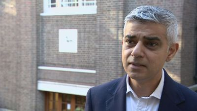 Khan: Government needs to wake up to climate change