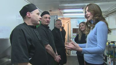 Kate makes chicken wrap during visit to Aberdeen cafe