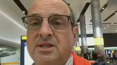 Passenger describes flight 'with suspected coronavirus case'