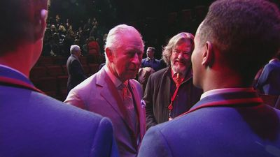 Charles praises 'super' Royal Shakespeare Company actors