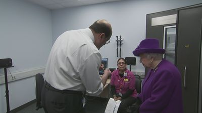 The Queen opens new specialist medical facility in London