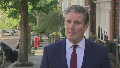 Starmer: PM 'weak' through Cummings saga