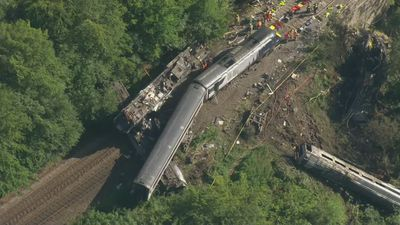 Three people die in train derailment