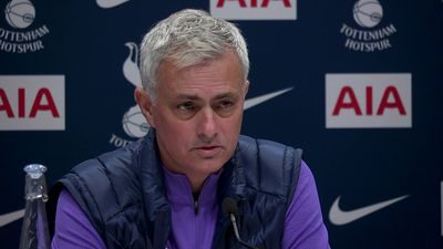 Mourinho_discusses_best_choice_to_come_and_put_spu
