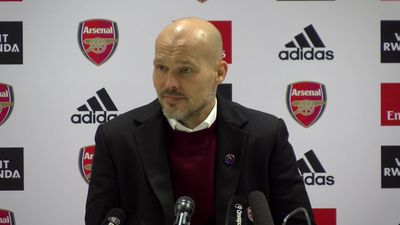 Nervous crowd affects players - Ljungberg