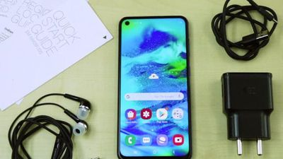 Samsung Galaxy M40 Unboxing And First Look - Price In India, Key Specifications