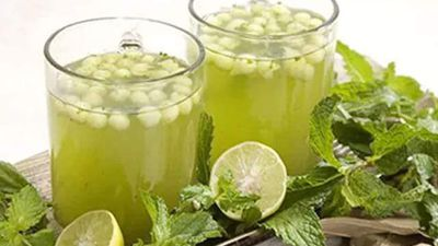 Stay Hydrated With These Healthy Summer Drinks