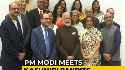 PM Modi Meets Kashmiri Pandits In Houston