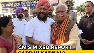 Manohar Lal Khatar Shares A Light Moment With Rival Tarlochan Singh On Polling Day