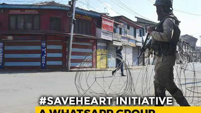 Restore Internet And Save Lives, Say Kashmir Doctors Who Use WhatsApp