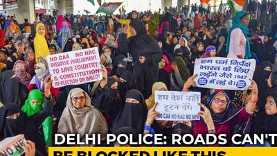 1,500 Women Block Delhi Road Over CAA, Back Bhim Army's Strike Call
