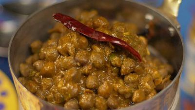 How To Make Dhaba-Style Amritsari Chhole